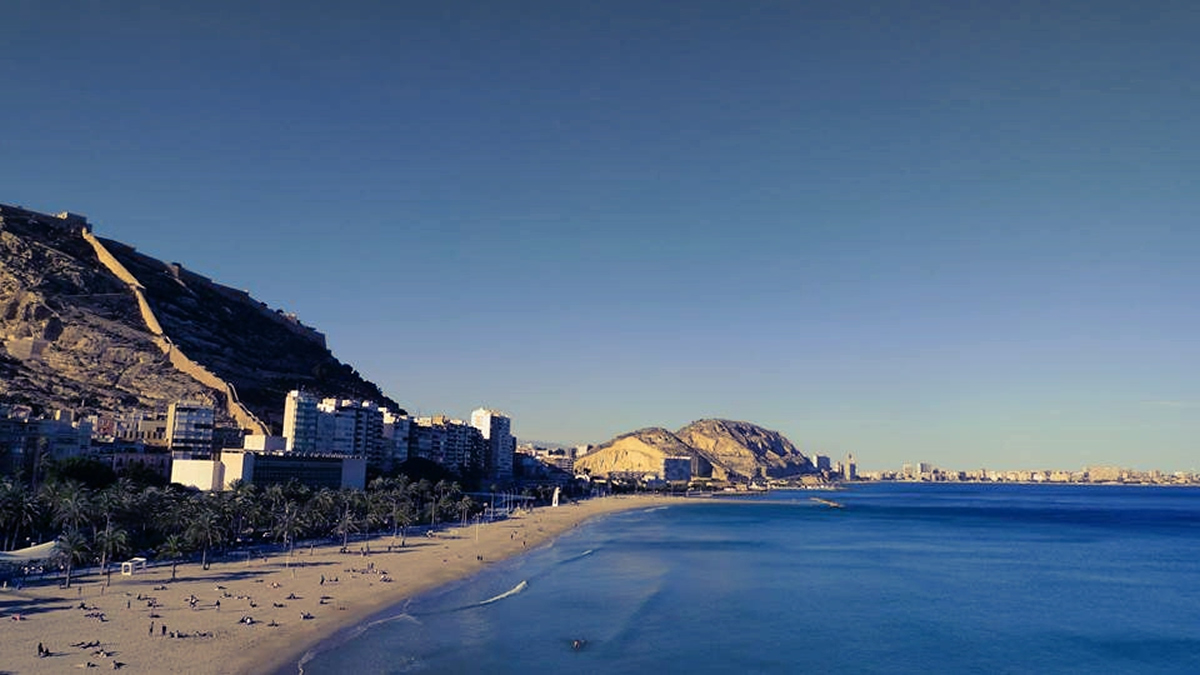 Alicante goes beyond the Volvo Ocean Race - Image Credit: Erik Ohlsson